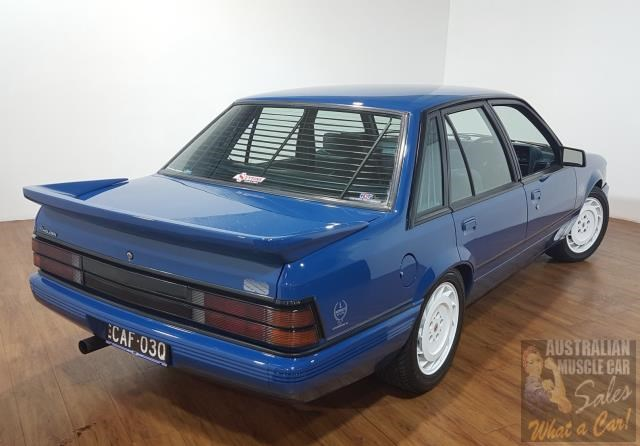 holden commodore 619871 011