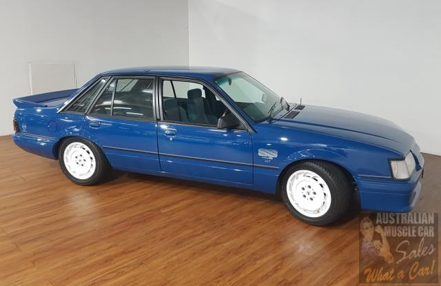 holden commodore 619871 016