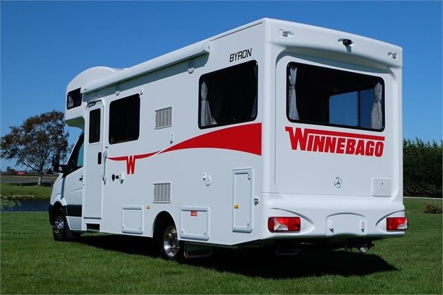 mercedes-benz winnebago byron 740222 019