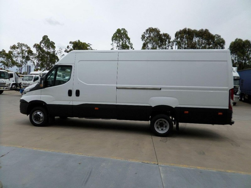 iveco daily 660986 004