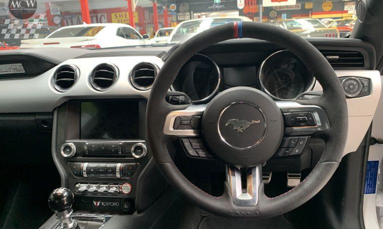 ford mustang 741562 011