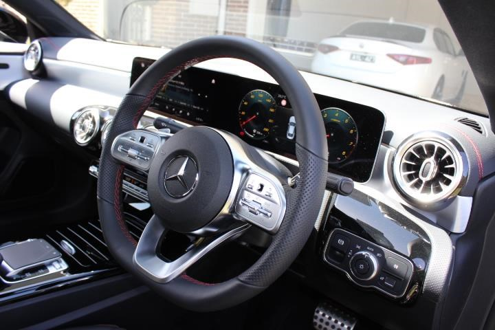mercedes-benz cla200 742860 009