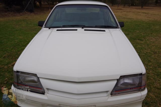 holden commodore 743449 007