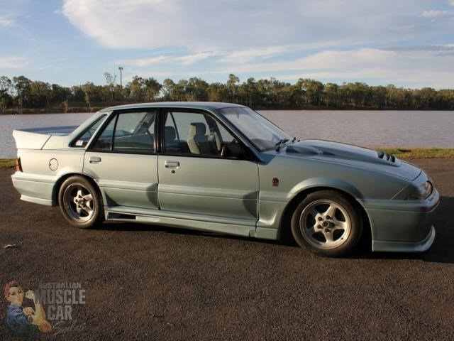 hsv commodore 743651 003