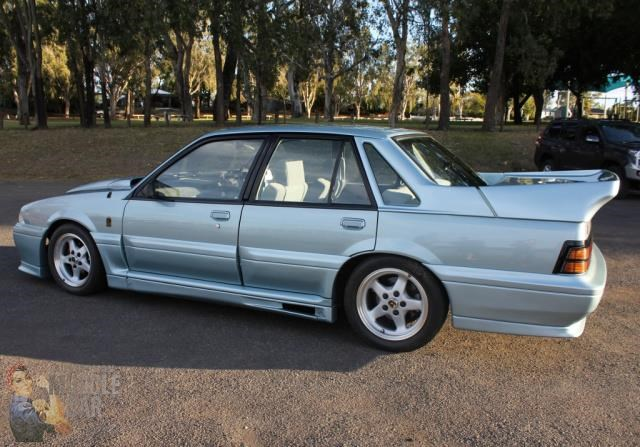 hsv commodore 743651 011
