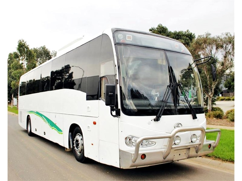 iveco king long delta bus 744592 002