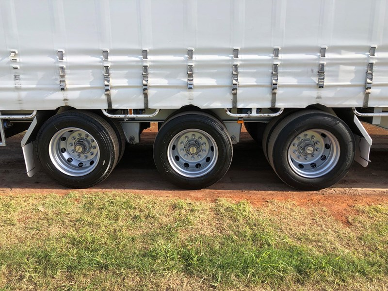 vawdrey 45ft tri-axle drop deck tautliner mezz floors 744806 009