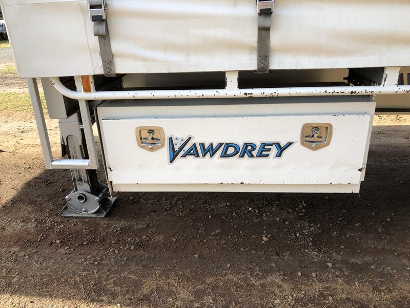 vawdrey 45ft tri-axle drop deck tautliner mezz floors 744806 019
