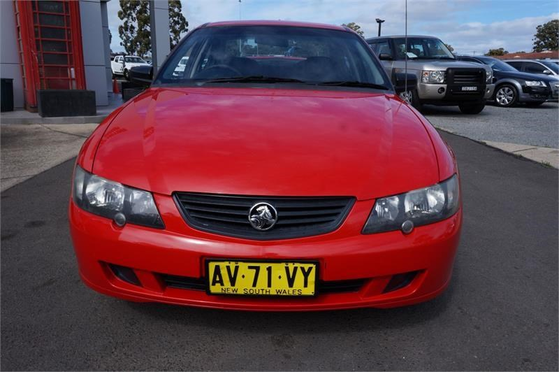 holden commodore 745687 009