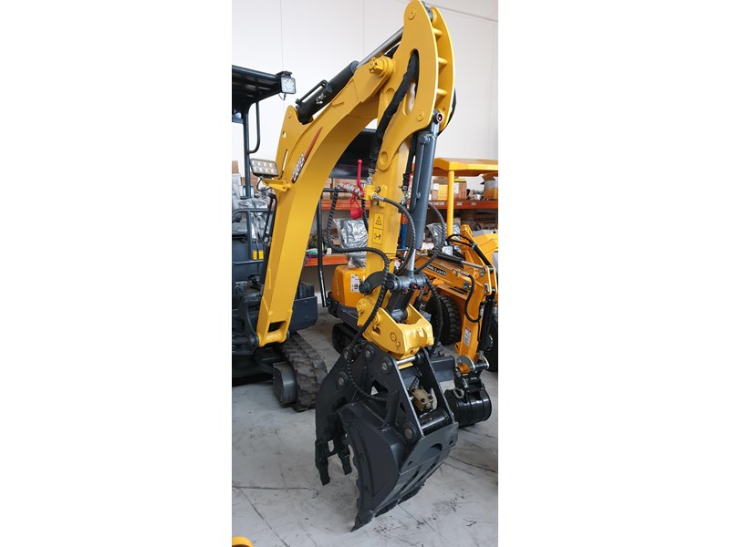 carter zero swing mini excavator 746874 003