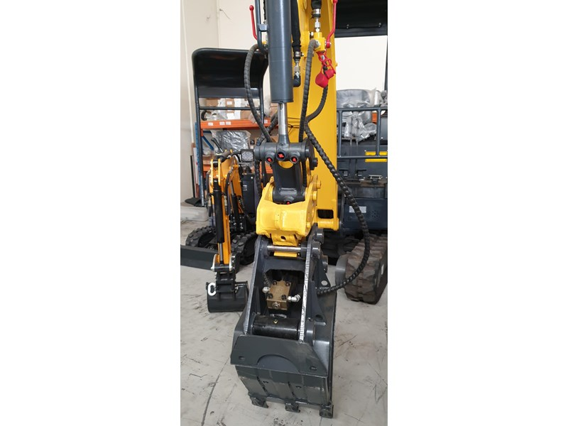 carter zero swing mini excavator 746874 004
