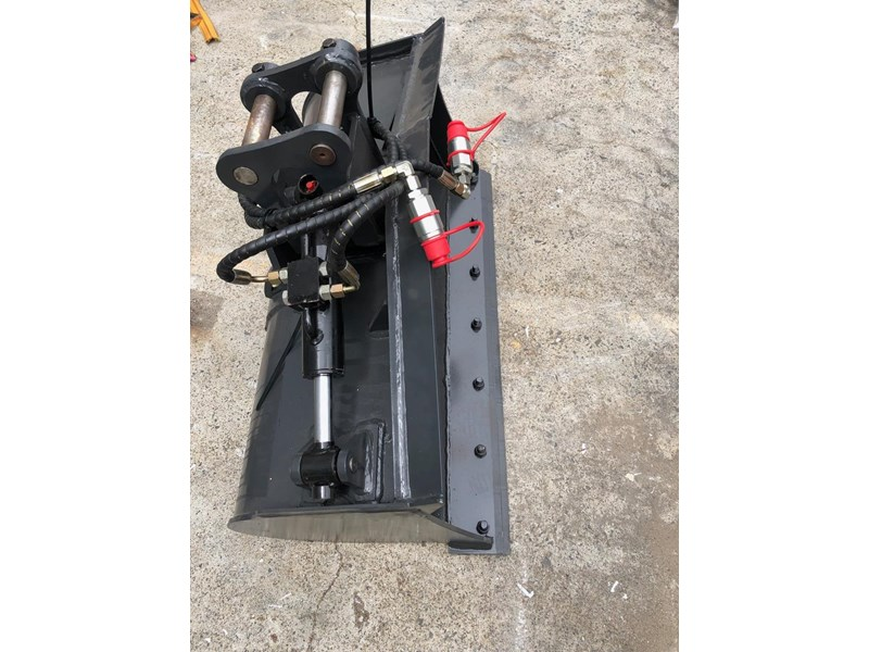 carter zero swing mini excavator 746874 011
