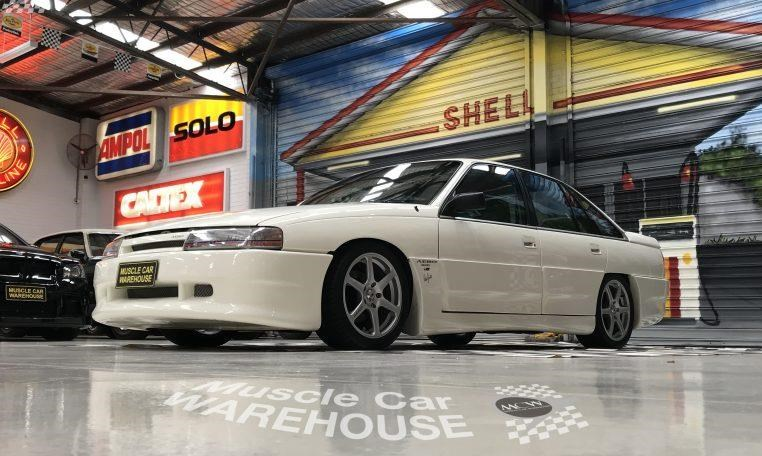 holden commodore 748277 010