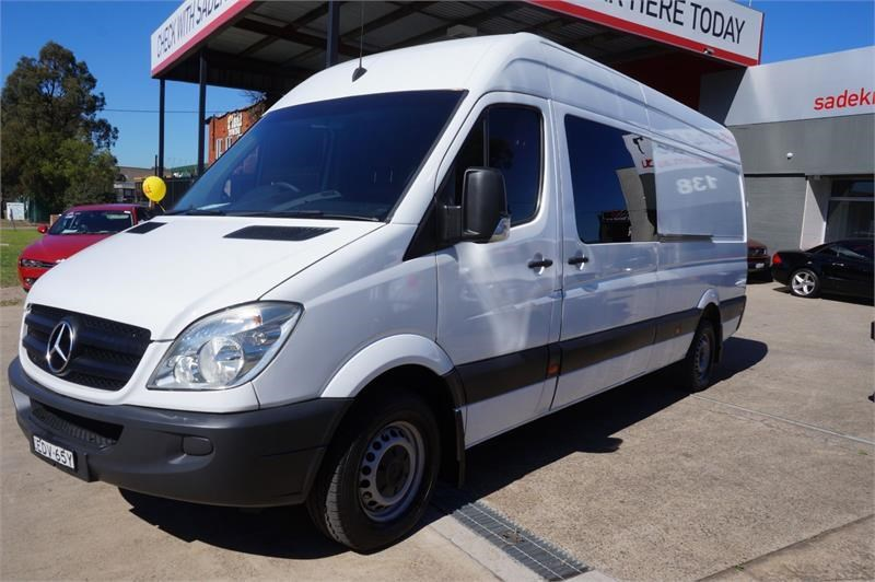 mercedes-benz sprinter 748808 011