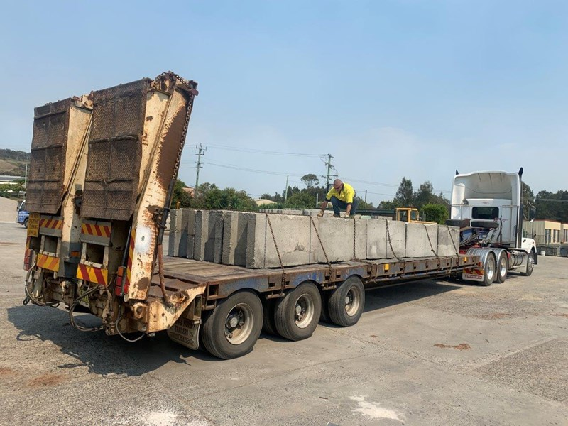 freighter low loader trailer 749033 004