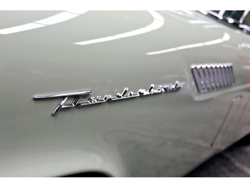 ford thunderbird 749037 010