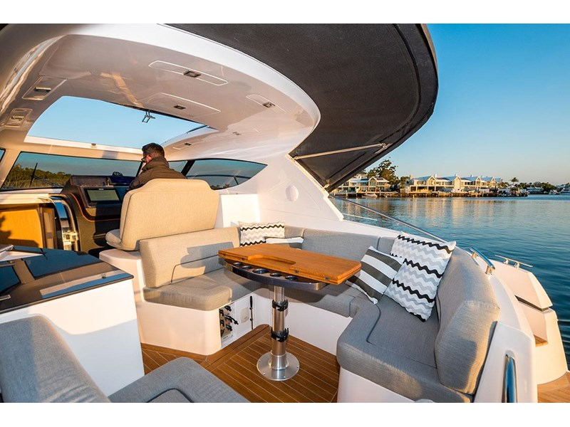 focus motor yachts focus 33 sports 750817 006