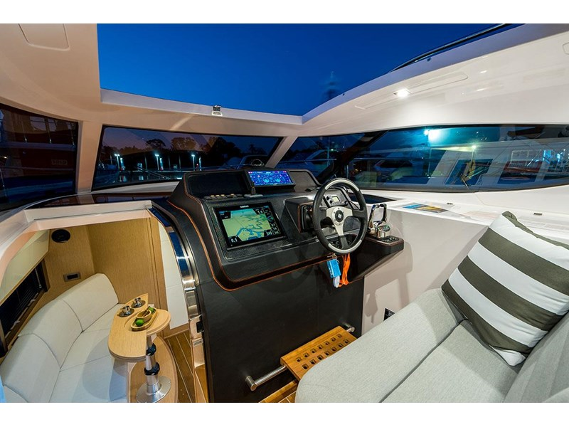 focus motor yachts focus 33 sports 750817 034