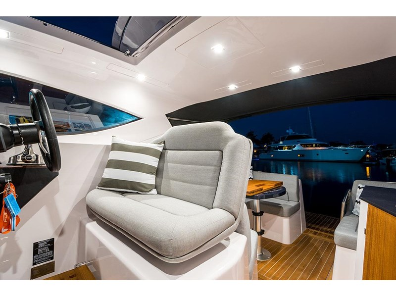 focus motor yachts focus 33 sports 750817 038
