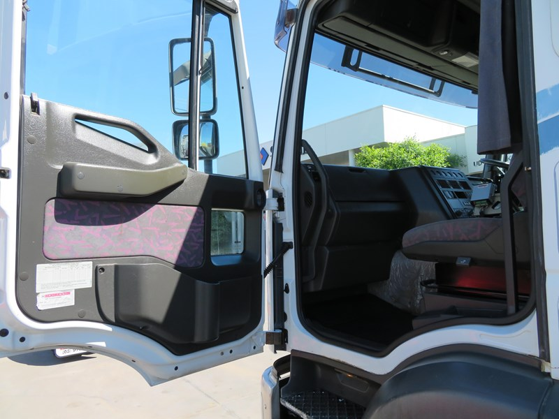 iveco mp4500 eurotech 751484 011