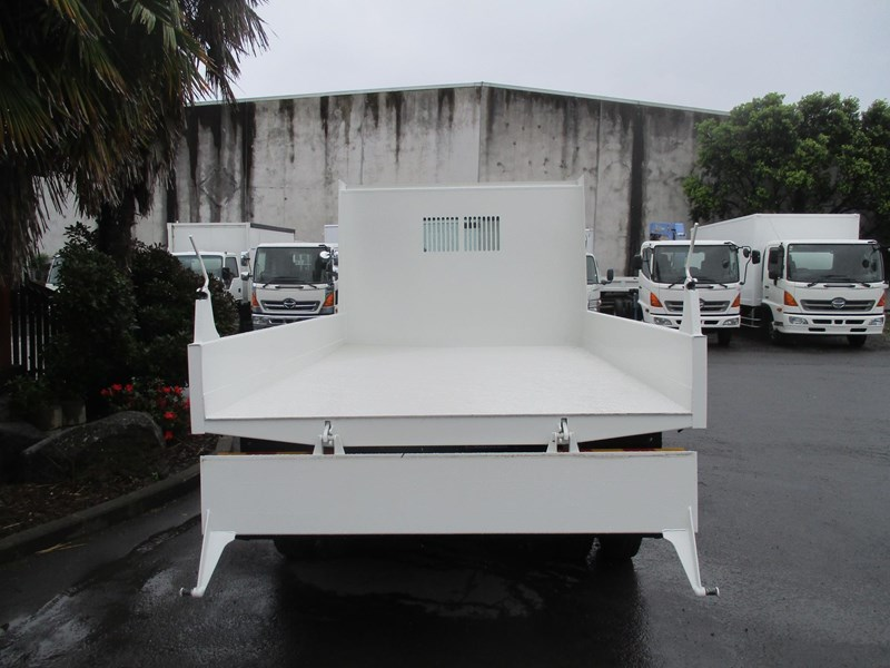 isuzu forward 751888 003