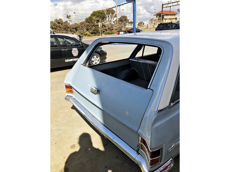 holden hd 752588 008