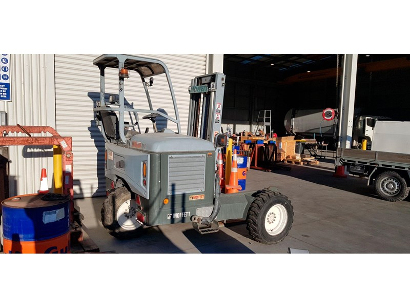 equipment warehouse moffett 752798 002