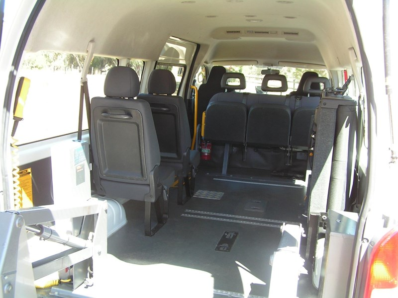 toyota hiace (only 29,500 k's), wheelchair, turbo diesel automatic, high roof mini bus. 753074 011