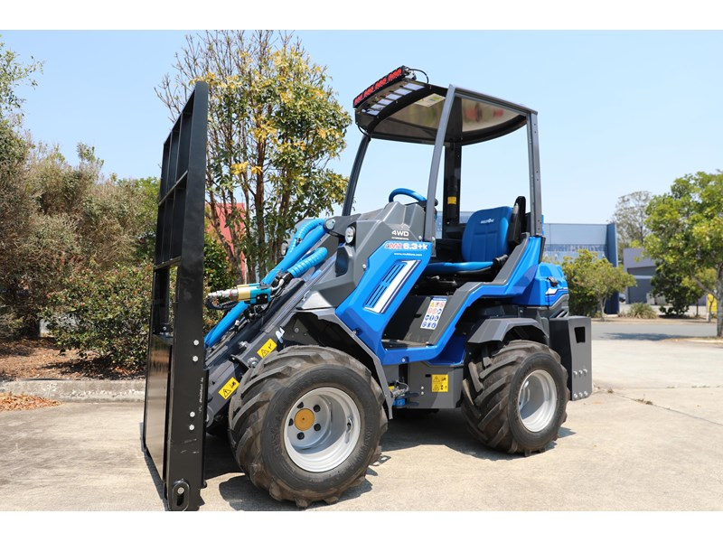 multione 6.3+ bee loader with side shift forks 583153 001