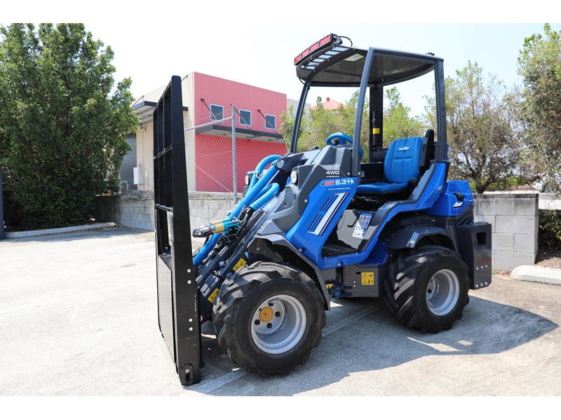 multione 6.3+ bee loader with side shift forks 583153 004