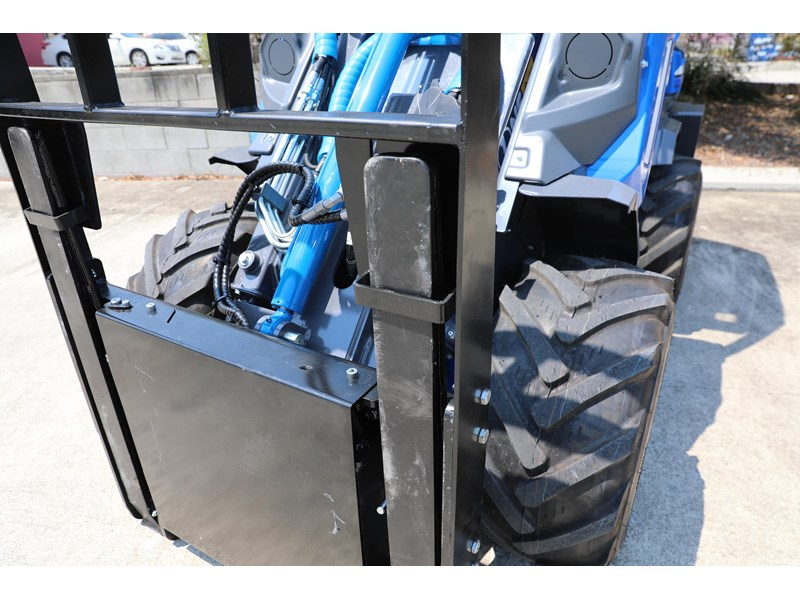 multione 6.3+ bee loader with side shift forks 583153 005