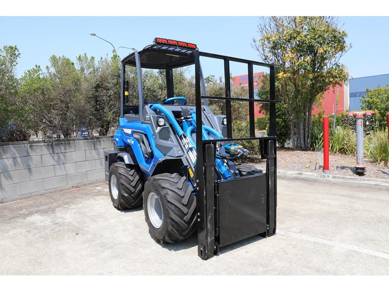 multione 6.3+ bee loader with side shift forks 583153 007