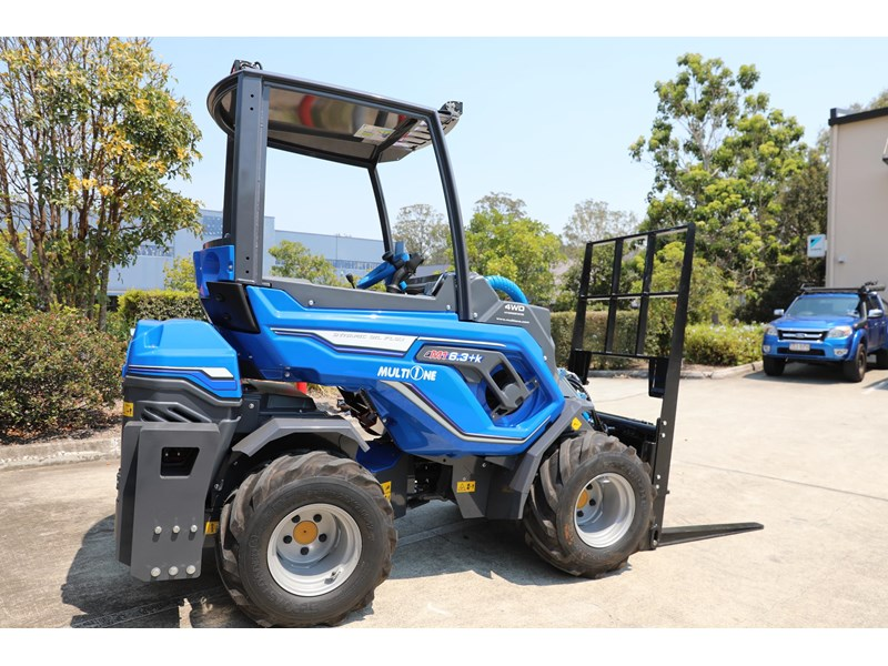 multione 6.3+ bee loader with side shift forks 583153 009