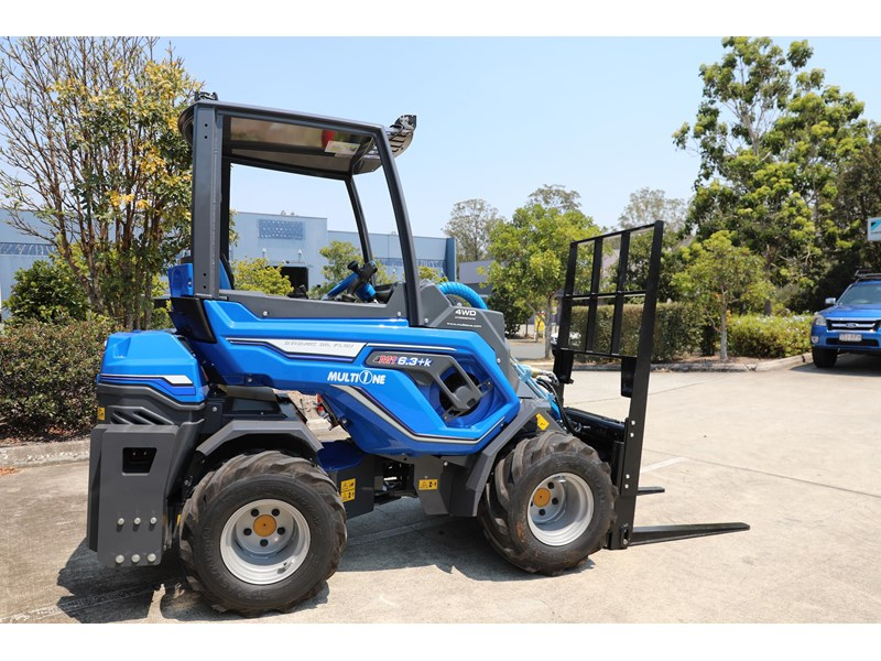 multione 6.3+ bee loader with side shift forks 583153 010
