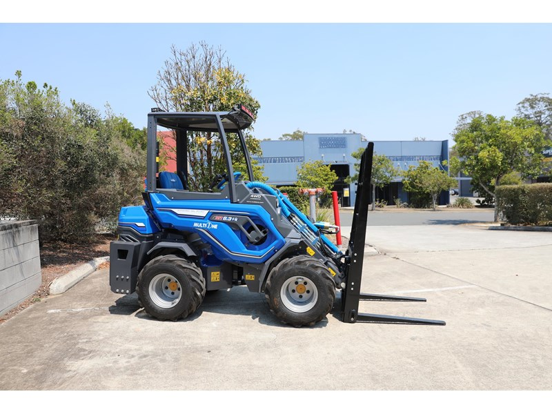 multione 6.3+ bee loader with side shift forks 583153 011