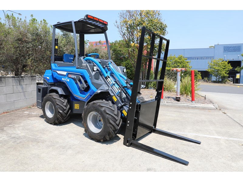 multione 6.3+ bee loader with side shift forks 583153 013