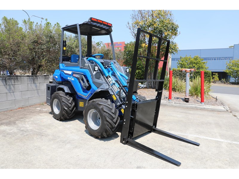 multione 6.3+ bee loader with side shift forks 583153 014