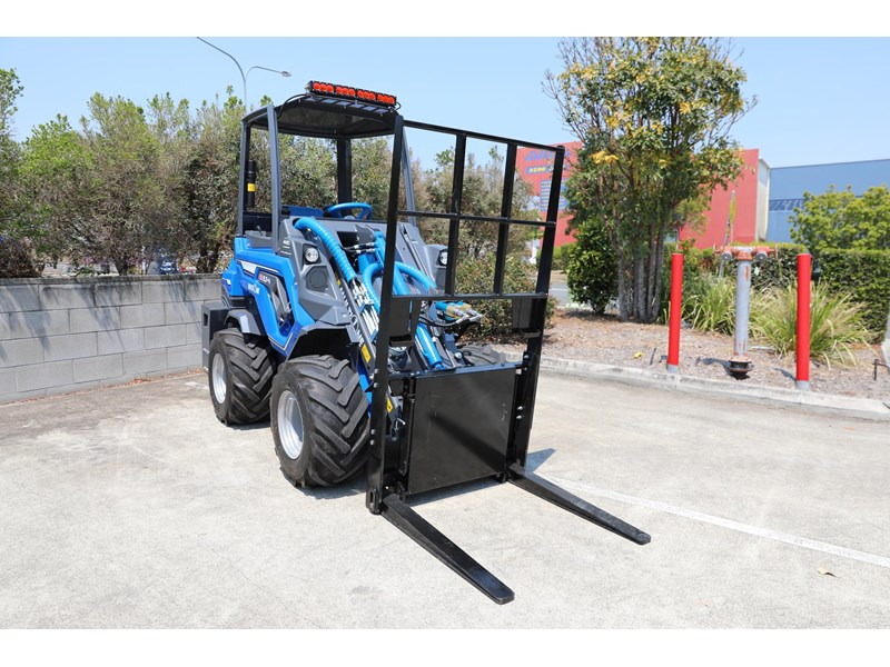 multione 6.3+ bee loader with side shift forks 583153 015
