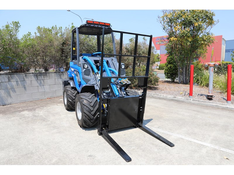 multione 6.3+ bee loader with side shift forks 583153 016