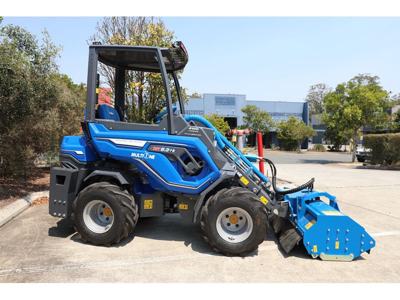 multione 6.3+ bee loader with side shift forks 583153 028