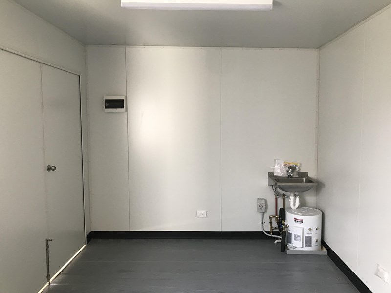 mcgregor 4.8m x 3.0m first aid room 754207 002