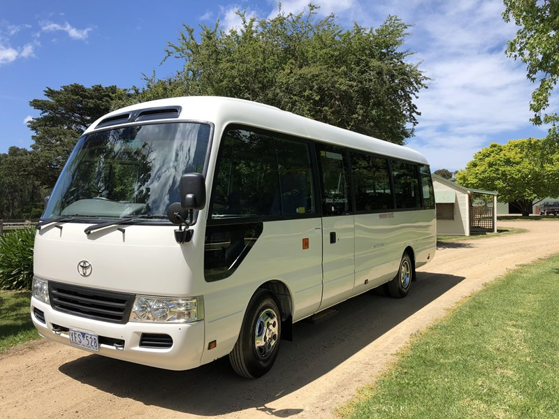 toyota coaster deluxe automatic 754216 001
