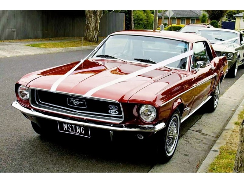 ford mustang 757256 001