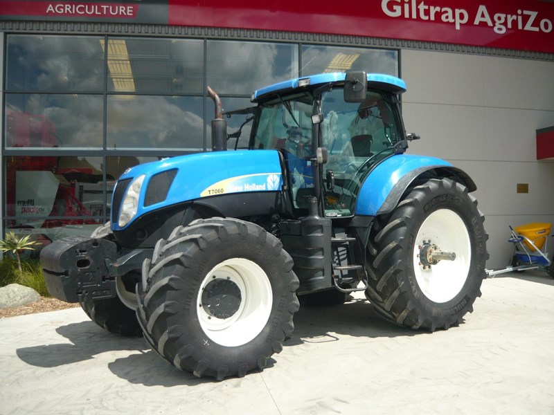 new holland t7060 758777 001