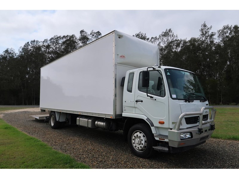 fuso fighter 10 fm1627 762011 001