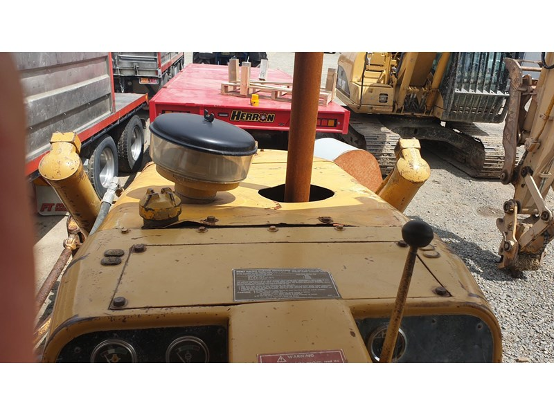caterpillar d4e bulldozer 766024 012