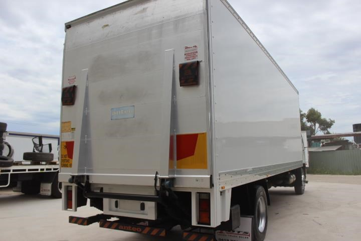fuso fighter fm 1627 766752 009