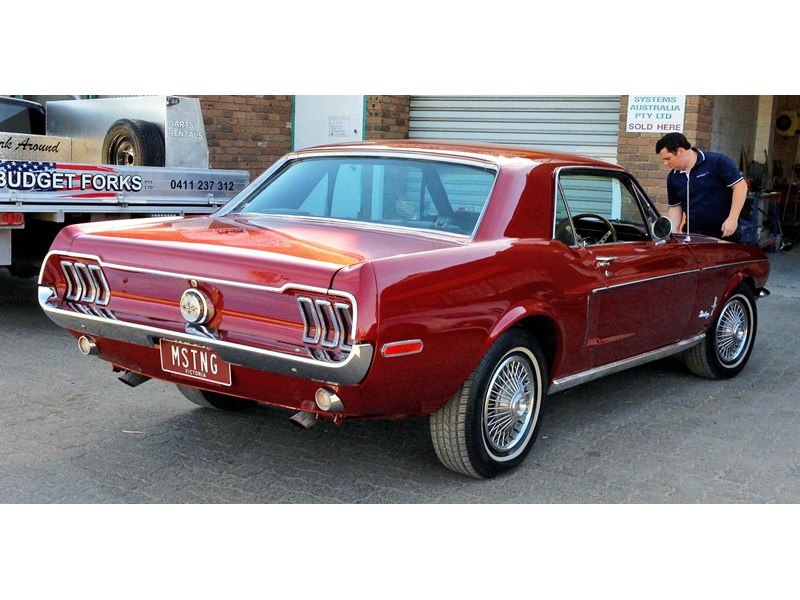 ford mustang 757256 002