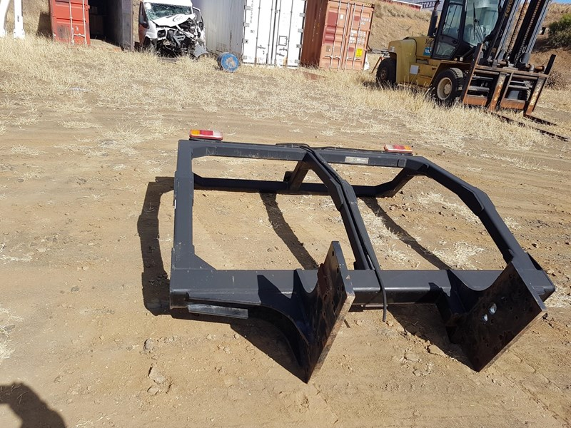 qmw industries rops came off hino pr010 gh8j 605857 002