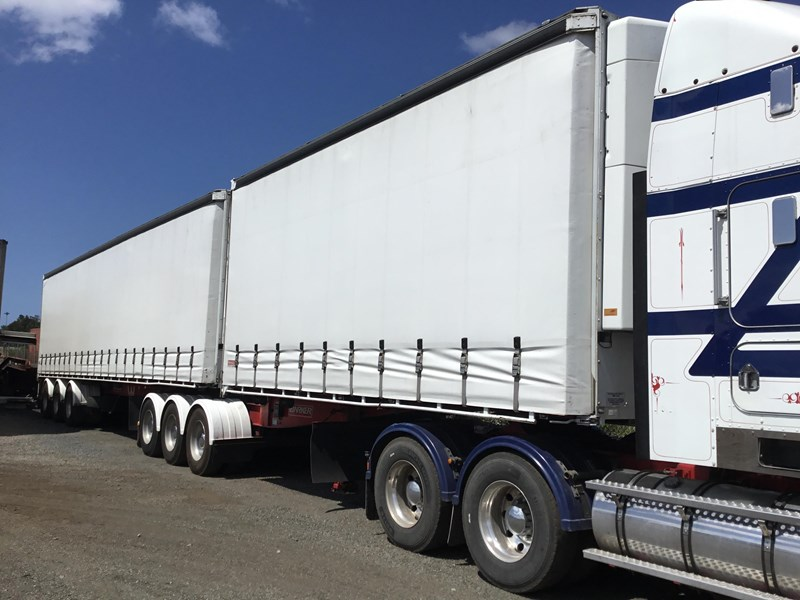 barker refrigerated curtainsider trailers 776505 001